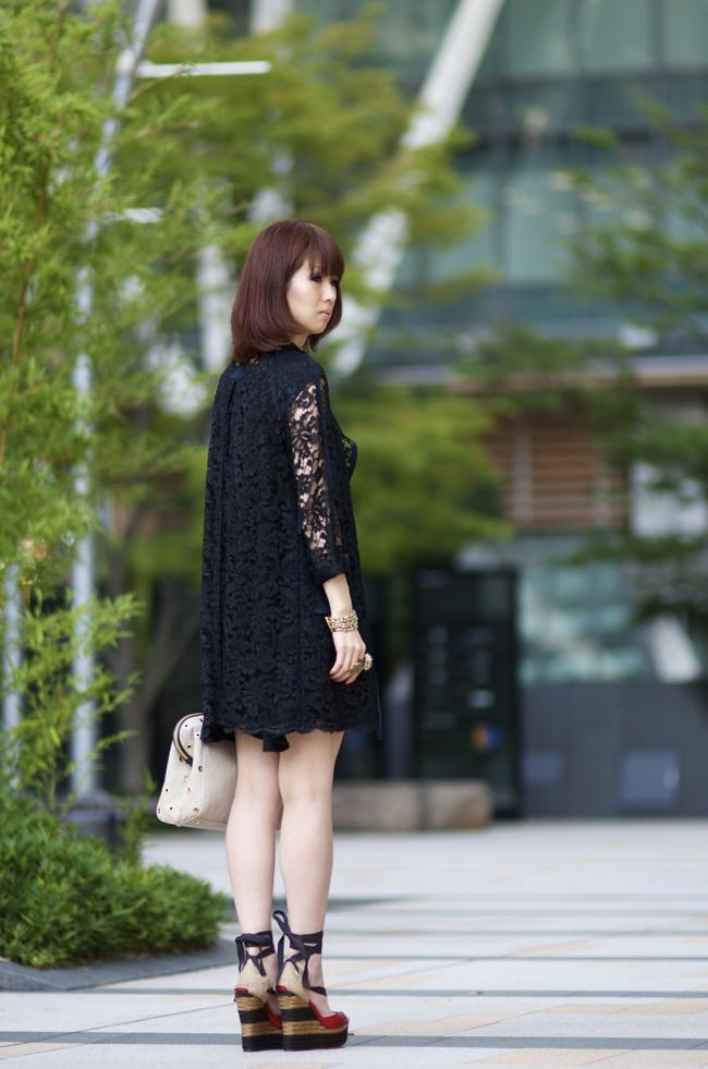 Sumiko-Akiyama-Tokyo-Midtown-An-Unknown-Quantity-New-York-Fashion-Street-Style-Blog1.png
