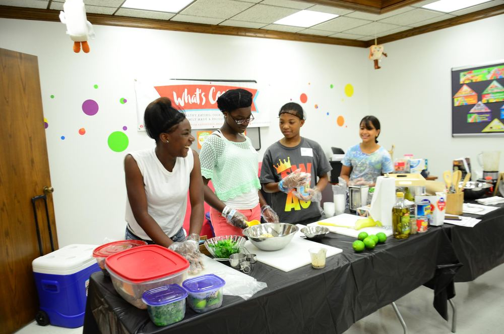 What's Cookin' Dallas? Families prepare to educate their peers on nutritional cooking, shopping and eating at a local venue