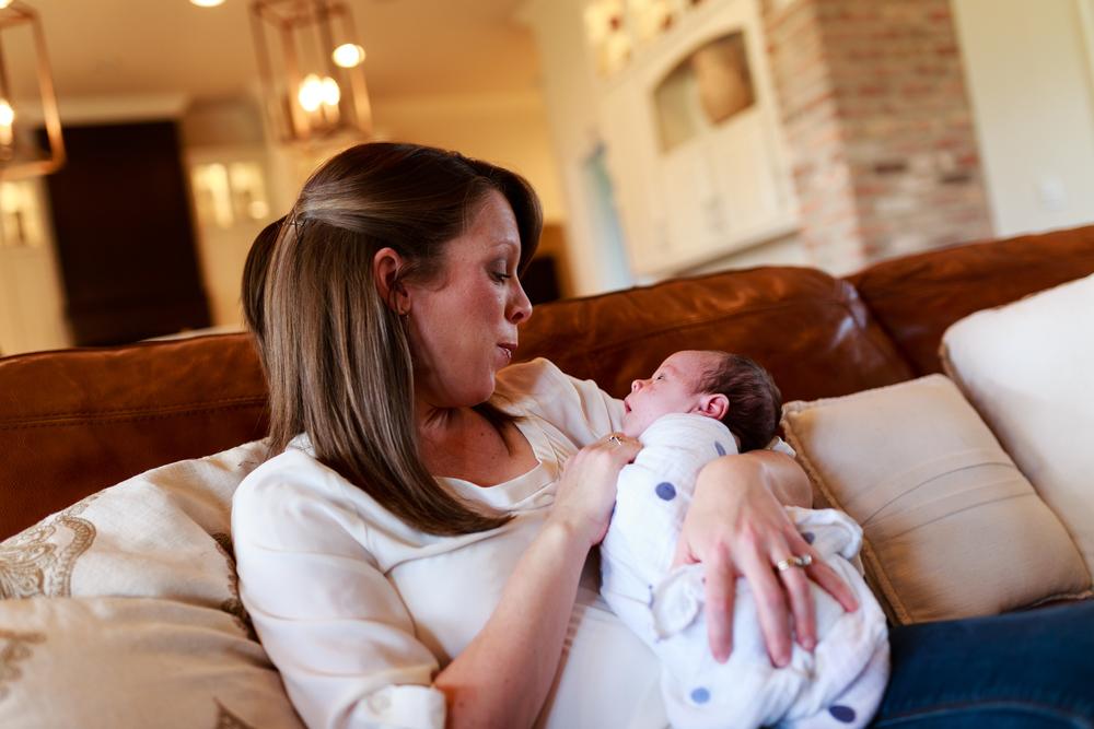 Newborn-baby-lifestyle-portrait-lafayette-broussard-youngsville-photographer-25.jpg