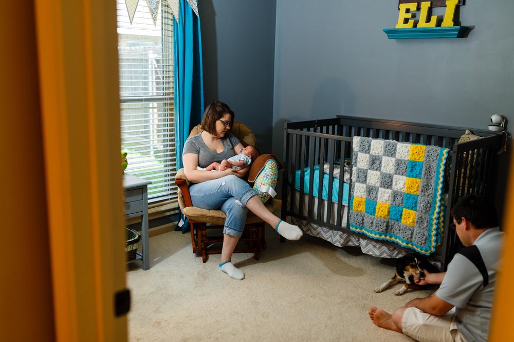 Newborn-baby-lifestyle-portrait-lafayette-broussard-youngsville-photographer-14.jpg