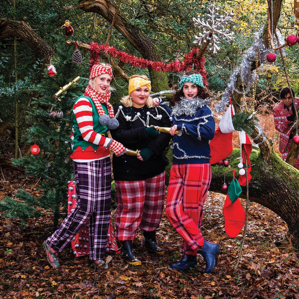 Spitfire Sisters do christmas