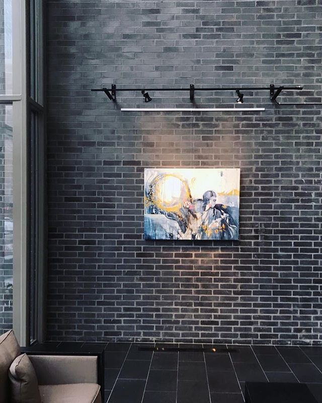 SHAMAIM is in its new surrounding in the heart of the city. . ——————————————— @anastasia_minster @kseniasapunkovaart  #contemporaryart #oilpainting #brushstrokes #realism #contemporaryart #contemporaryrealism #yorkvillegallery#magicalrealism#artshow