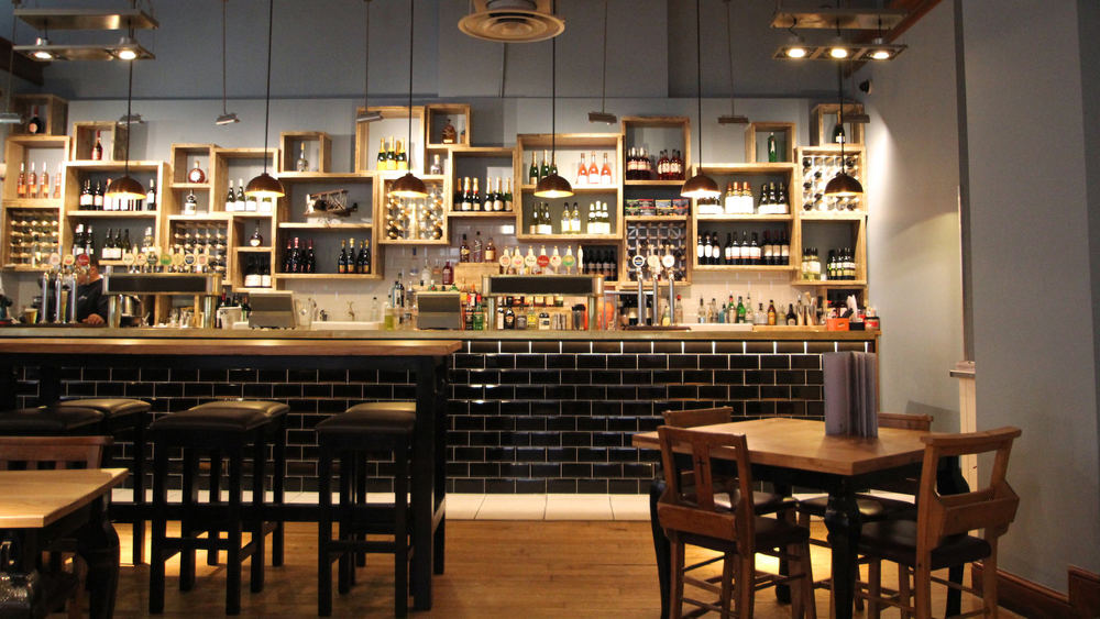 Cost efficient bar restaurant design bristol