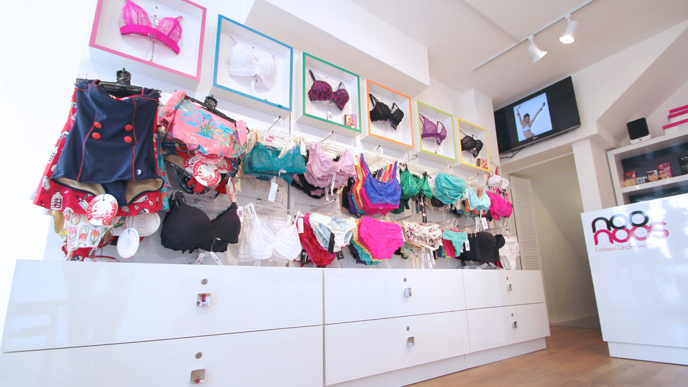Underwear_Retail_Displays_4.jpg
