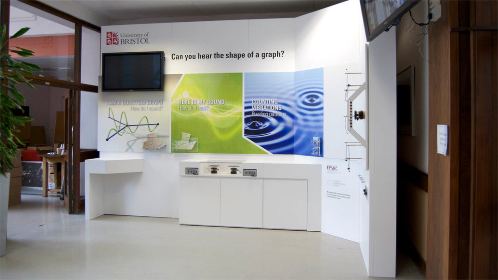 Interactive_exhibition_display_03.jpg