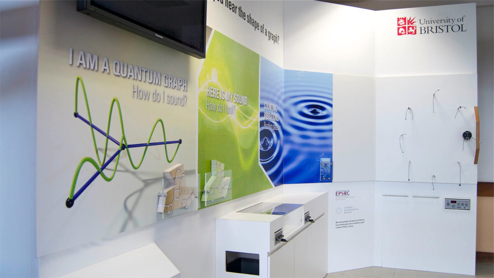 Interactive_exhibition_display_02.jpg