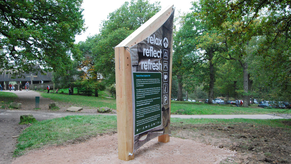 Forest_trail_wayfinder_sign_1.jpg