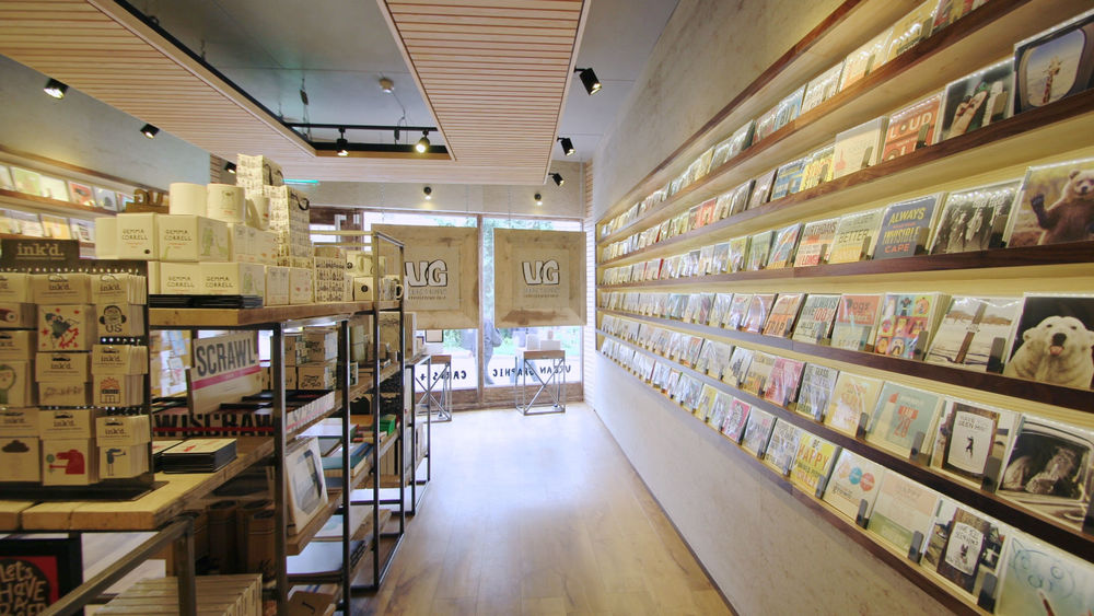 card_shop_interior_design_6.jpg