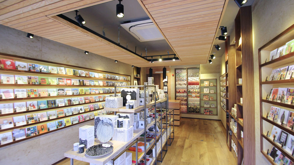 card_shop_interior_design_9.jpg