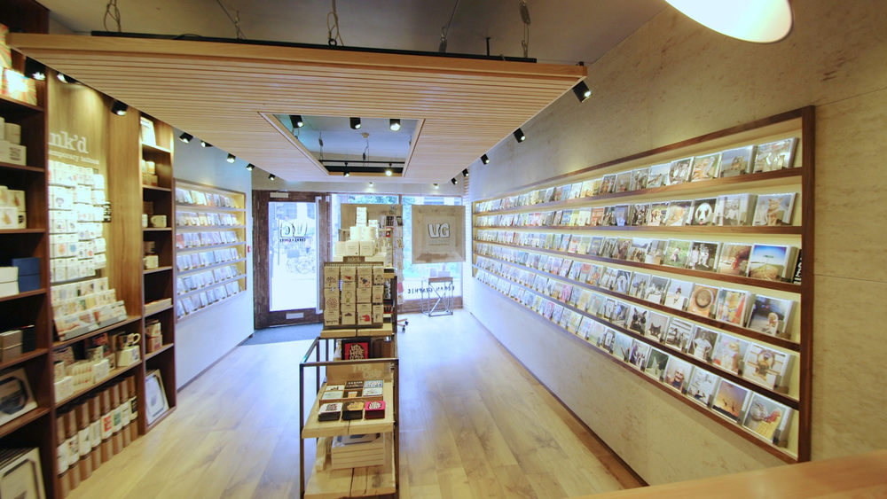card_shop_interior_design_16.jpg