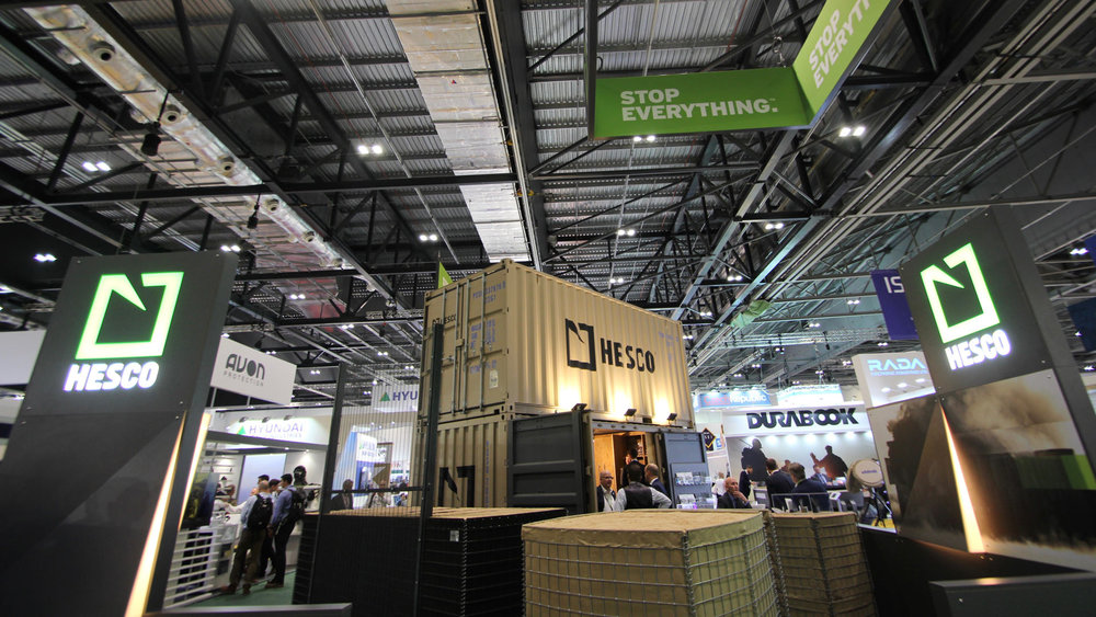 shipping_container_exhibition_stand_02.jpg