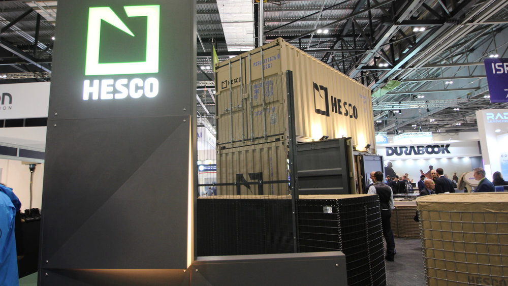 shipping_container_exhibition_stand_05.jpg