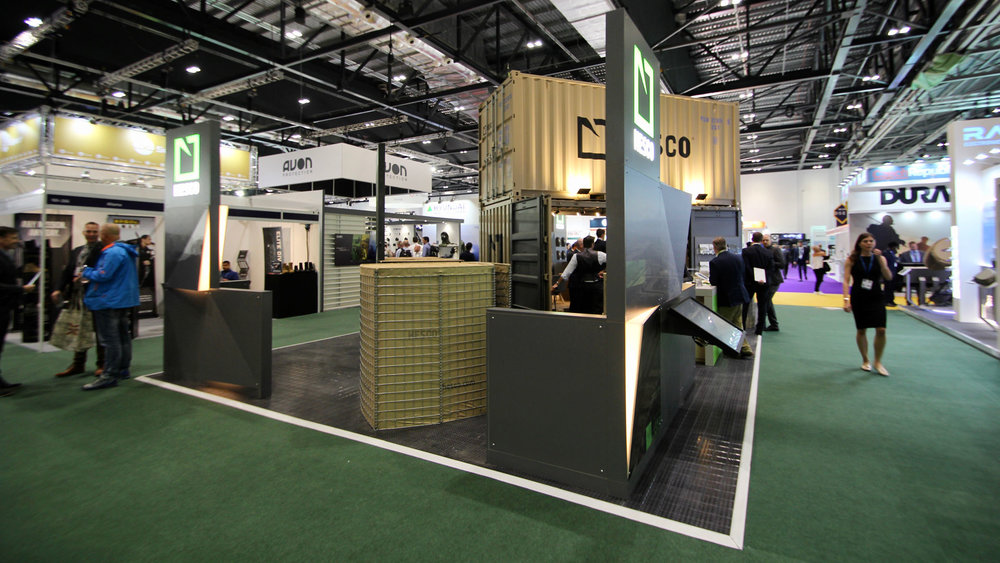 shipping_container_exhibition_stand_06.jpg