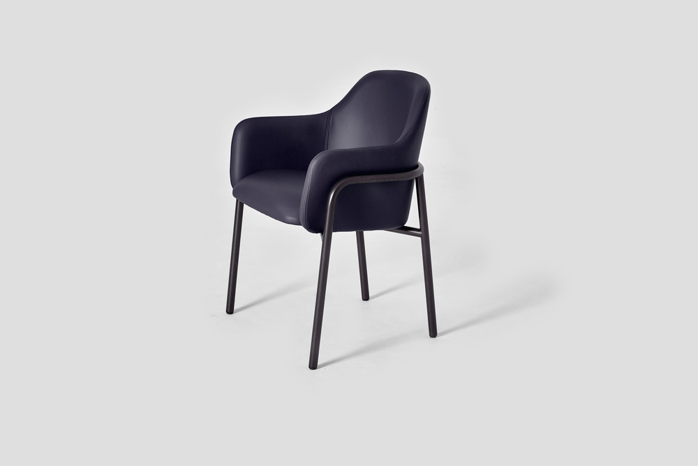 MT CLUB CHAIR with FRAME LEGS