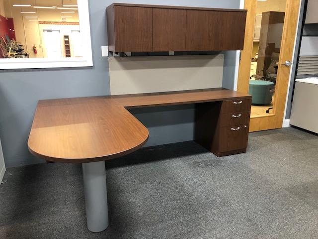 "Turnstone Peninsula ""L"" Desk"