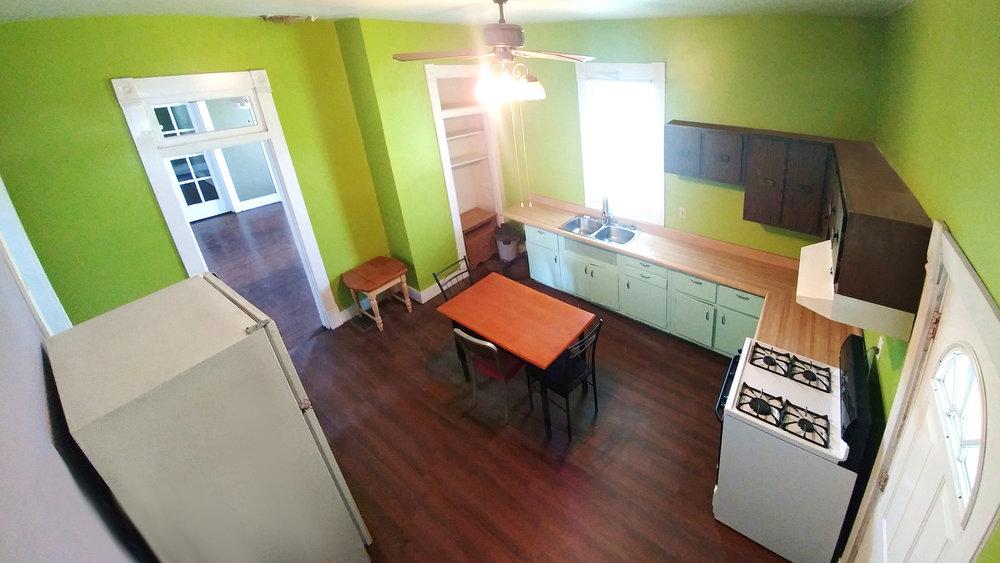 1b Kitchen20180630_135041bj.jpg