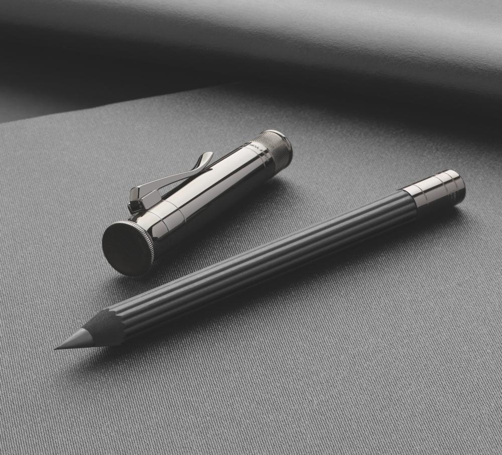 Der Perfekte Bleistift Magnum Black Edition in unserem Online Papeterie Shop