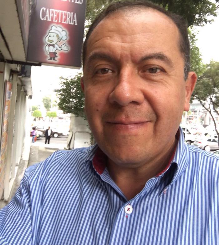 Miles de mexicanos siguen sin servicio eléctrico o vivienda, o centro de trabajo o escuela, pero no sin luz,ni fe,ni esperanza. - José López Zamorano