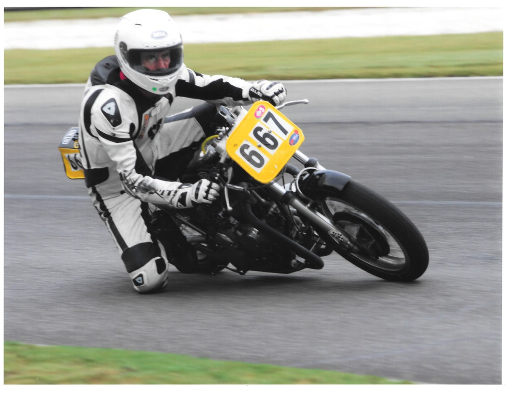 Barber - Triumph:knee down.jpg