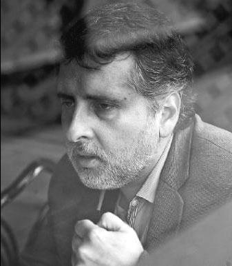 David Rivera Del Águila Es economista. Comenzó a ejercer el periodismo en el diario El Mundo, pero fue en las revistas especializadas Semana Económica y Perú Económico del Grupo Apoyo, el principal think thank del país, donde desarrolló el periodismo económico. Hoy se desempeña como director editorial de la revista Poder.