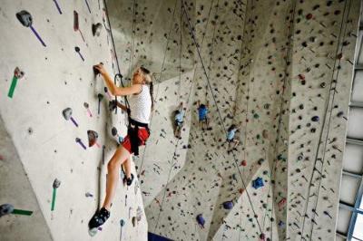 how tall is inoor rockclimbing