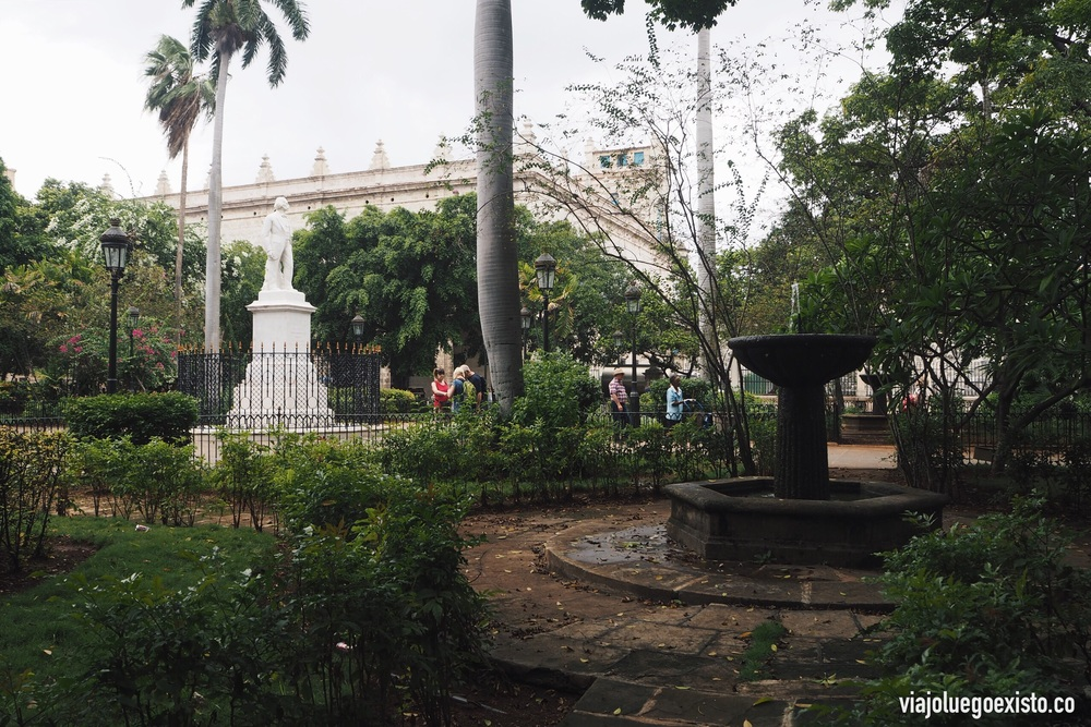 Plaza de Armas en La Habana Vieja.