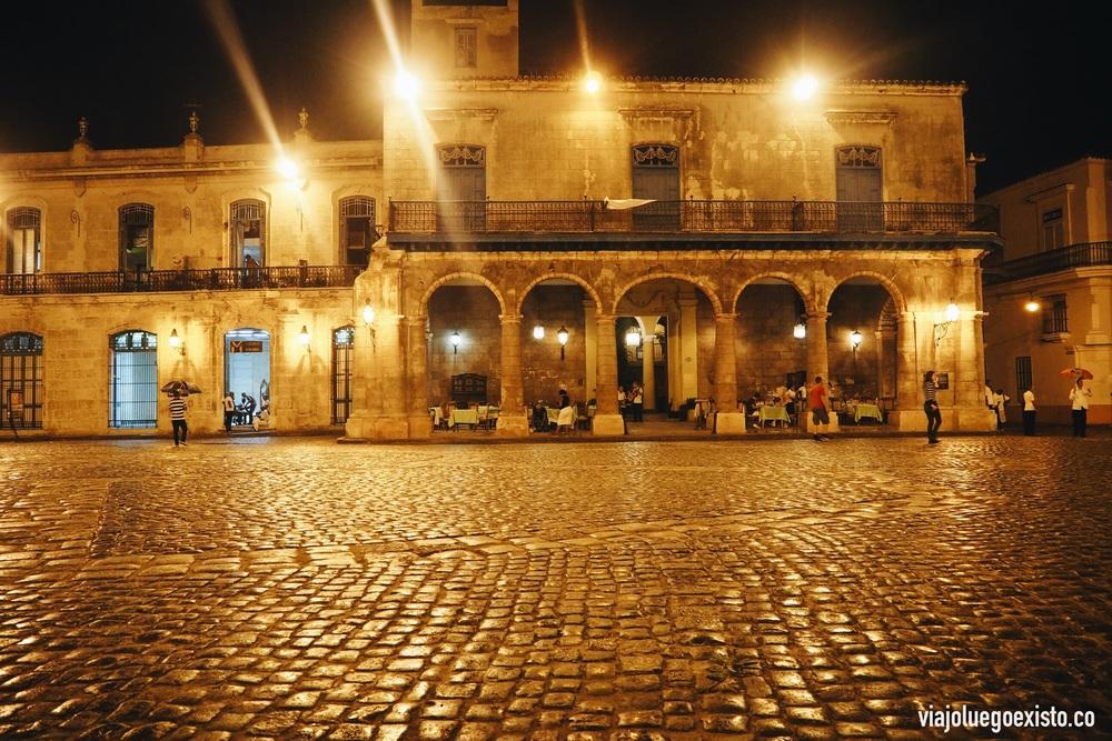 Plaza de la Catedral en La Habana Vieja.