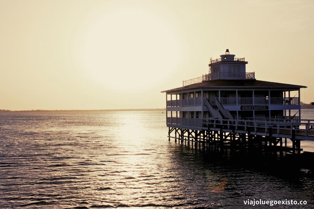 lodging_lighthouse.jpg