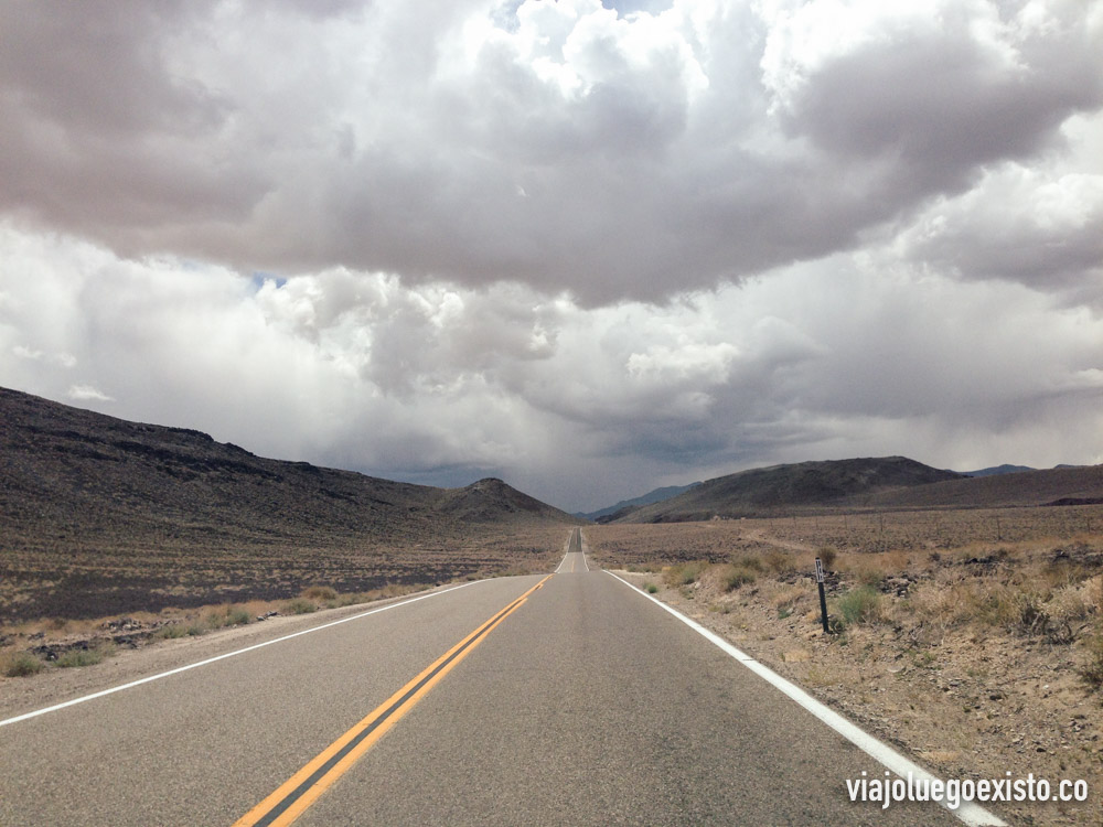 Carreteras infinitas en Death Valley