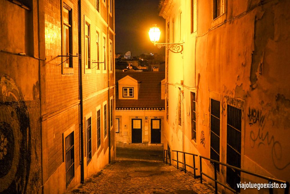 Barrio de Mouraria de noche.