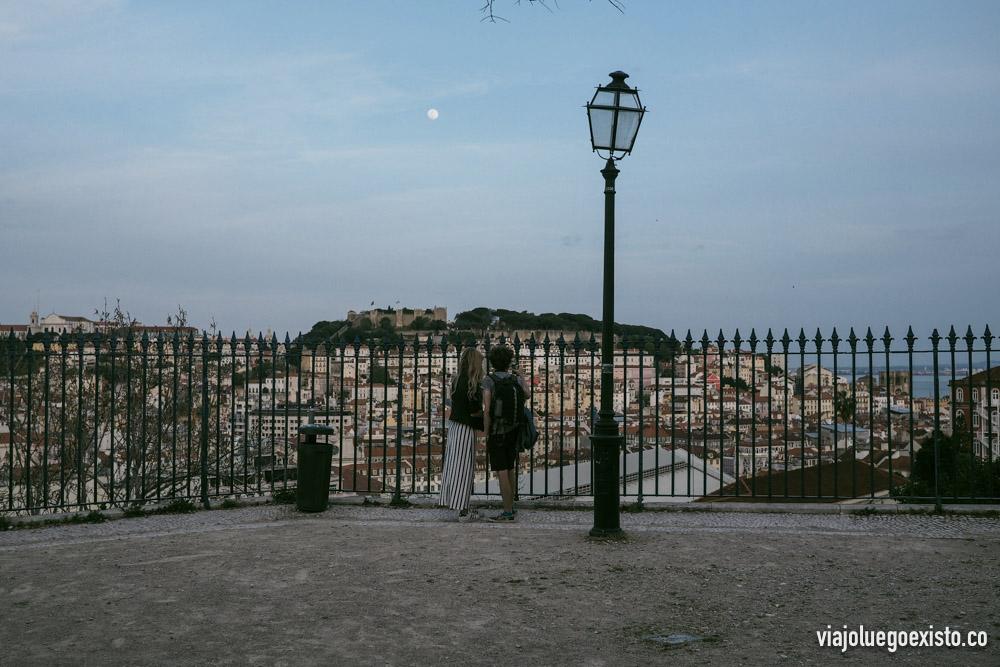 Mirador de San Pedro de Alcántara, por la noche es de los que más encanto tiene.