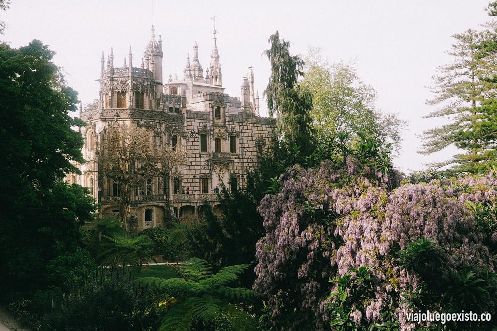 Por supuesto Quinta da Regaleira también tiene un castillo de cuento de hadas.