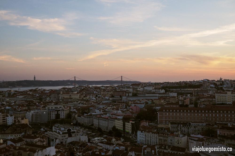 Vistas desde el mirador de Senhora Do Monte, el más alto de todos los miradores de Lisboa.
