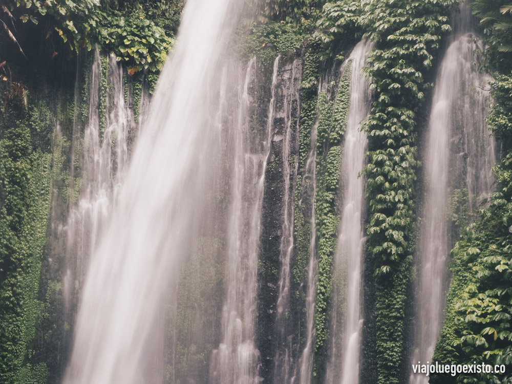 Cascada Tiu Kelep en Lombok, Indonesia. Ejemplo de efecto seda: f/20 - 1/10s - ISO 200 -42mm