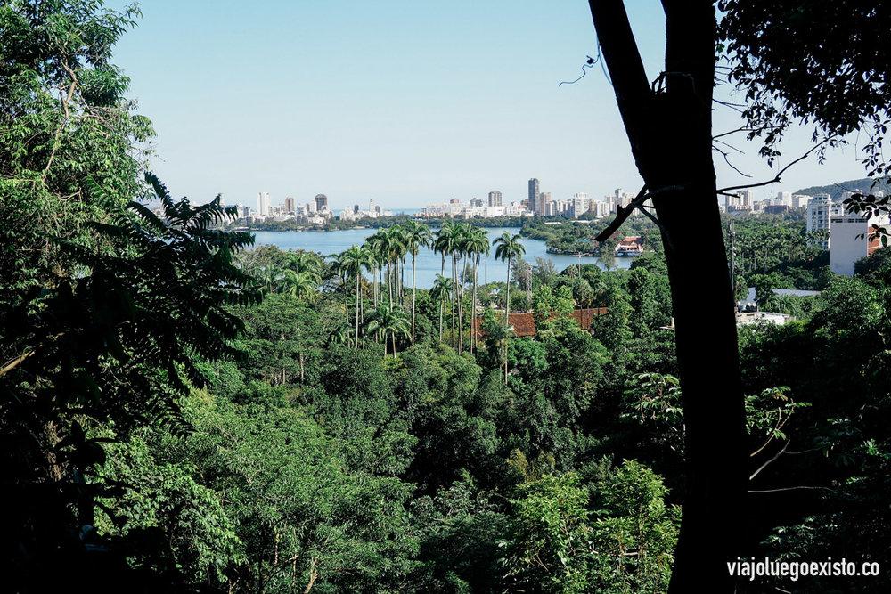 Vistas de la laguna Rodrigo de Freitas desde Parque Laje