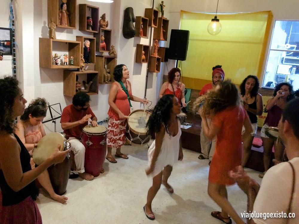 Otro local de Santa Teresa, con música y bailes