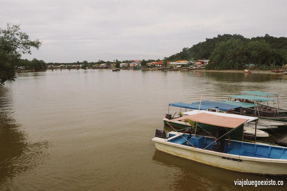 El embarcadero desde donde salen las lanchas hacia Bako