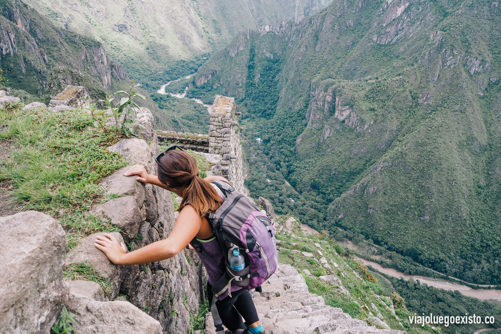 Bajando del Wayna Picchu, hay muchas escaleras y algunas muy empinadas