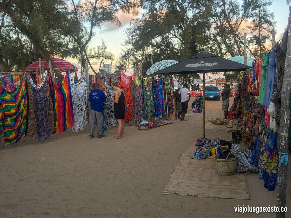 Mercado de artesanía de Tofo