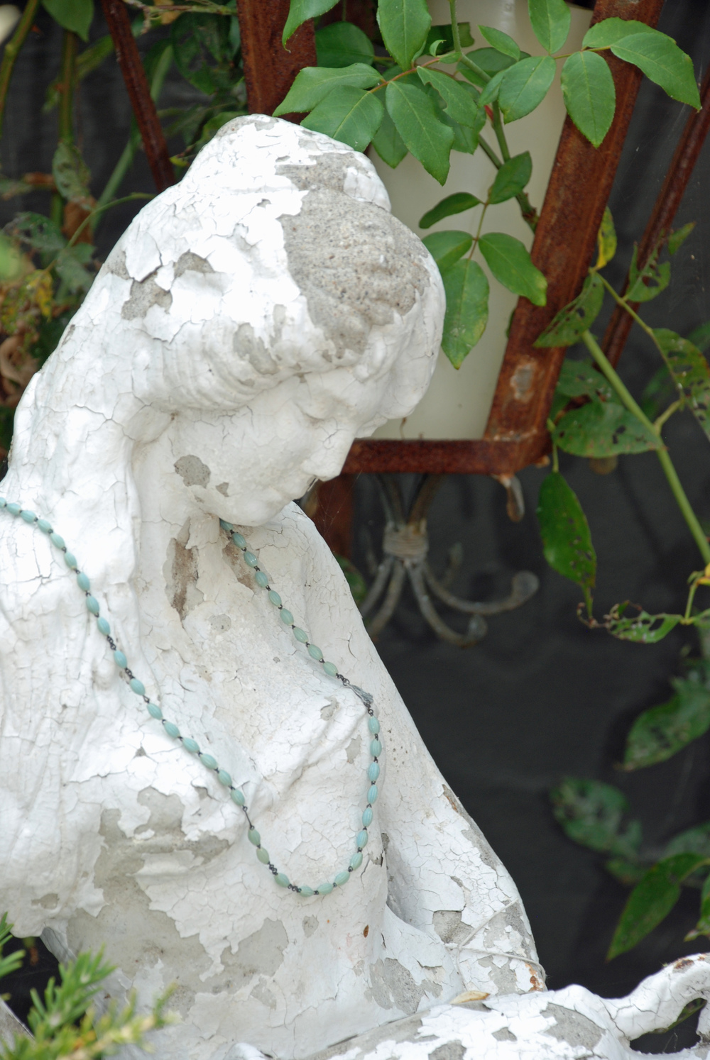 Beaded statuary