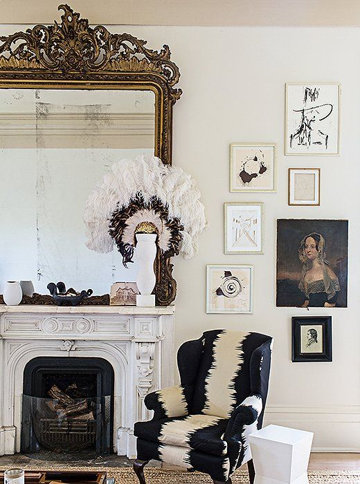 This eclectic grouping counterbalances the oversized gilded mirror. (via Habitually Chic)