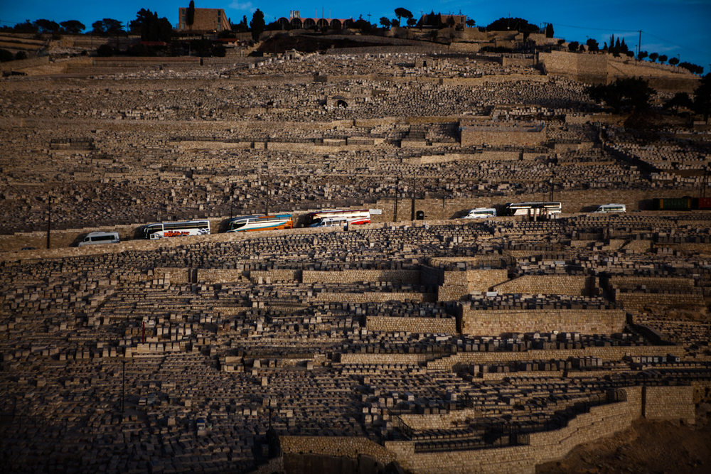 Tourist busses at the Jewish cemetery in Jerusalem. www.kasperpalsnov.dk