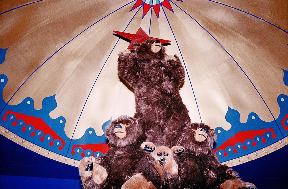 """Hey guys! Let's make a bear pyramid!"""
