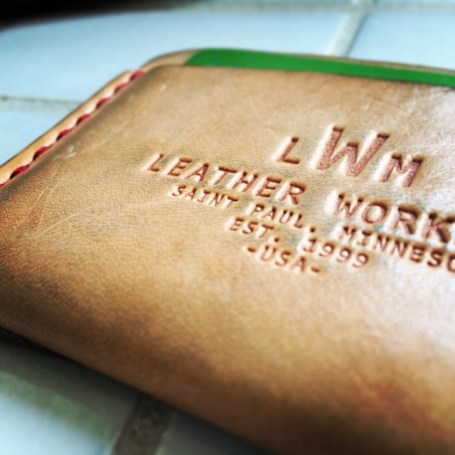 Patina coming in beautifully on the old @leatherworksmn
