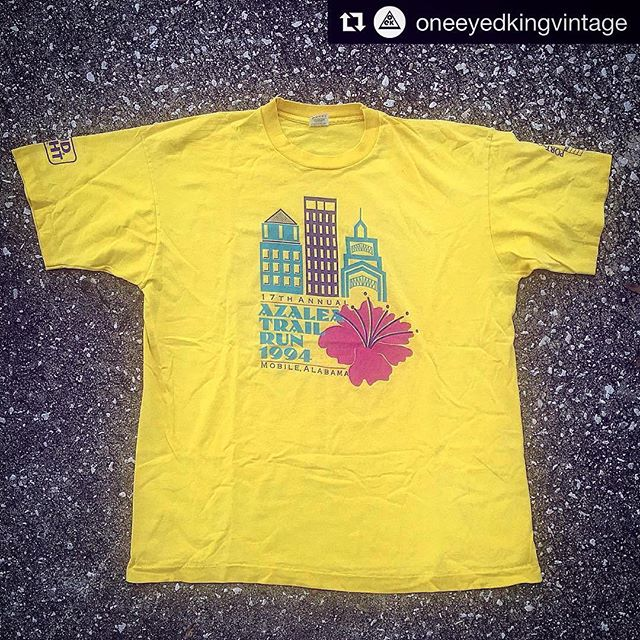 😃 Let's party like it's 1994! 🏣🏢 // sz XL  Check out the unique selection of vintage clothing & artifacts @oneeyedkingvintage! • • • • #MobileAL #azalea #GulfCoast #251 #SamJones #SandyStimpson #vintage #gulfcoastpie #mobilefashioncouncil
