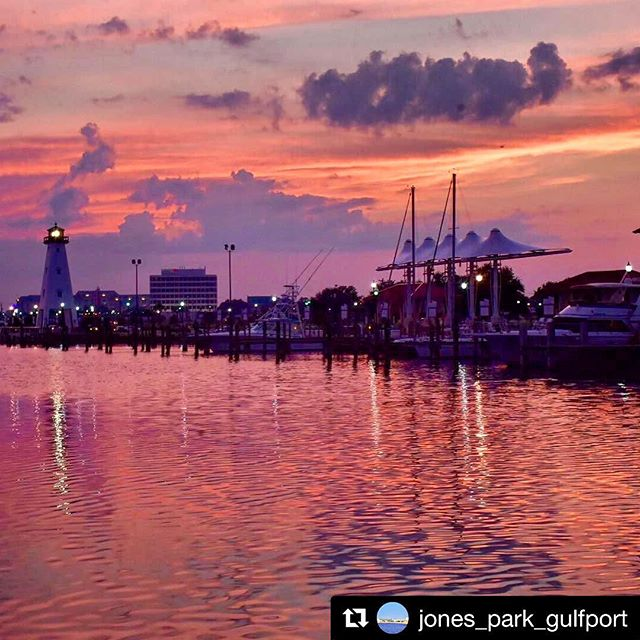 🌅 Some of the prettiest sunsets can be found in the Gulfport Small Craft Harbor. Join Jones Park in Gulfport, MS (@jones_park_gulfport) one evening and experience the beauty!  #sunset #gulfportms #jonespark #smallcraftharbor #cloudscape #clouds #beautiful @visitmscoast @msgulfcoast @cityofgulfport @gulfcoastbusiness @visitmscoast @gulfportmainstreet
