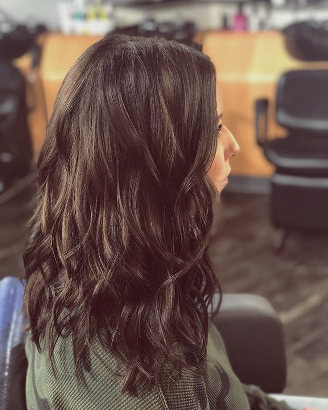 """Finally did the big chop!! Took 10"""" off this bombshell! Colour and cut by Kelsey✂️ #lobhaircut #richbrown #fromlongtolob #fromblondetobrown #yegsalons"""