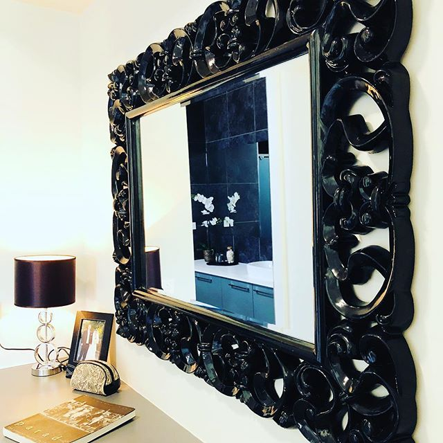 Today's gorgeous master bedroom in Redland Bay... 🖤 #dramatic #masterbedroom #simplify #propertystyling #homestaging #dressingroom #photoshoot - Photos: @josiebowers_stylist