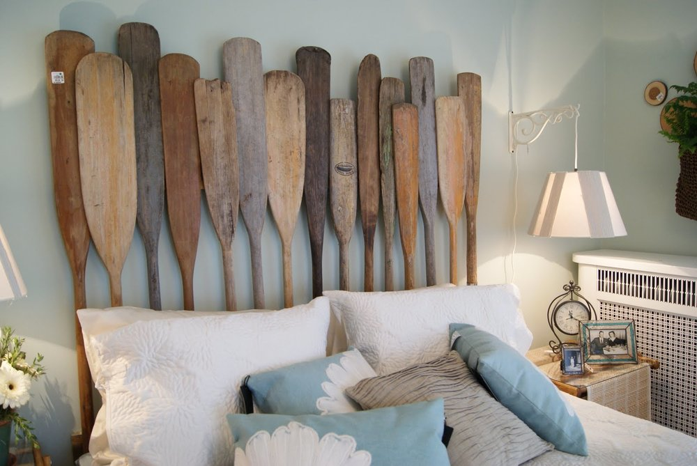 upcycled-furniture-oar-headboard.jpg