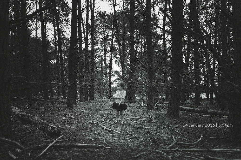 girl-in-forest-child-photography-photo-a-day-project-day-24.jpg